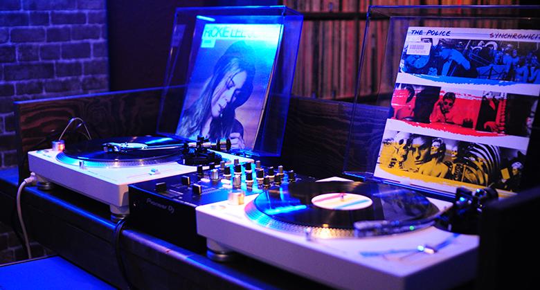 レコード機材